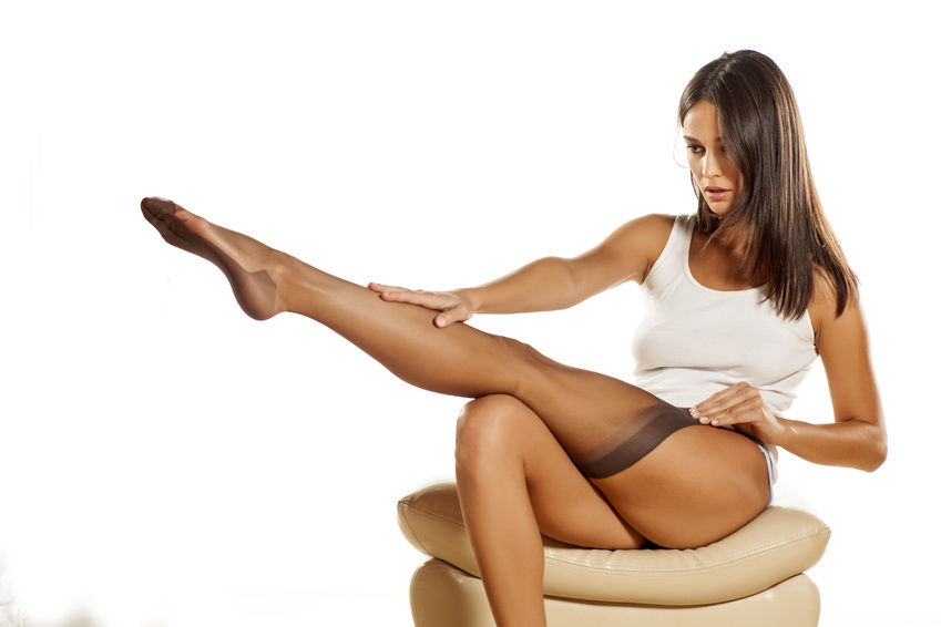 pantyhose in woman le